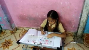 Prachi is studying at her home (4) copy
